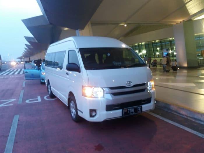 sewa-rental-Toyota-Hiace-Semarang-Murah